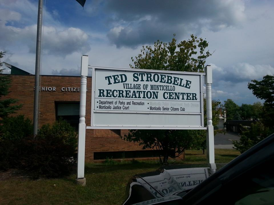 photo of Ted Stroebele Community Center taken in summer